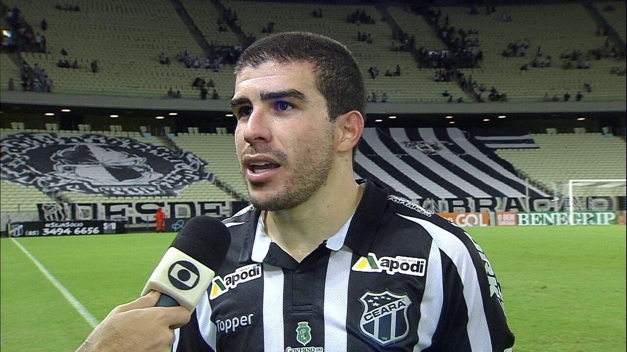 """Richardson avalia derrota do Ceará para o Grêmio: """"Não tá fácil"""""""
