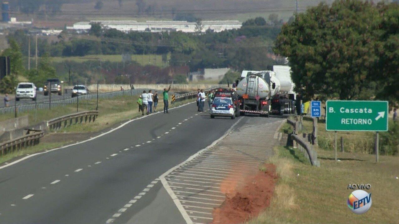 Manifestantes param comboios de caminhões escoltados na Replan