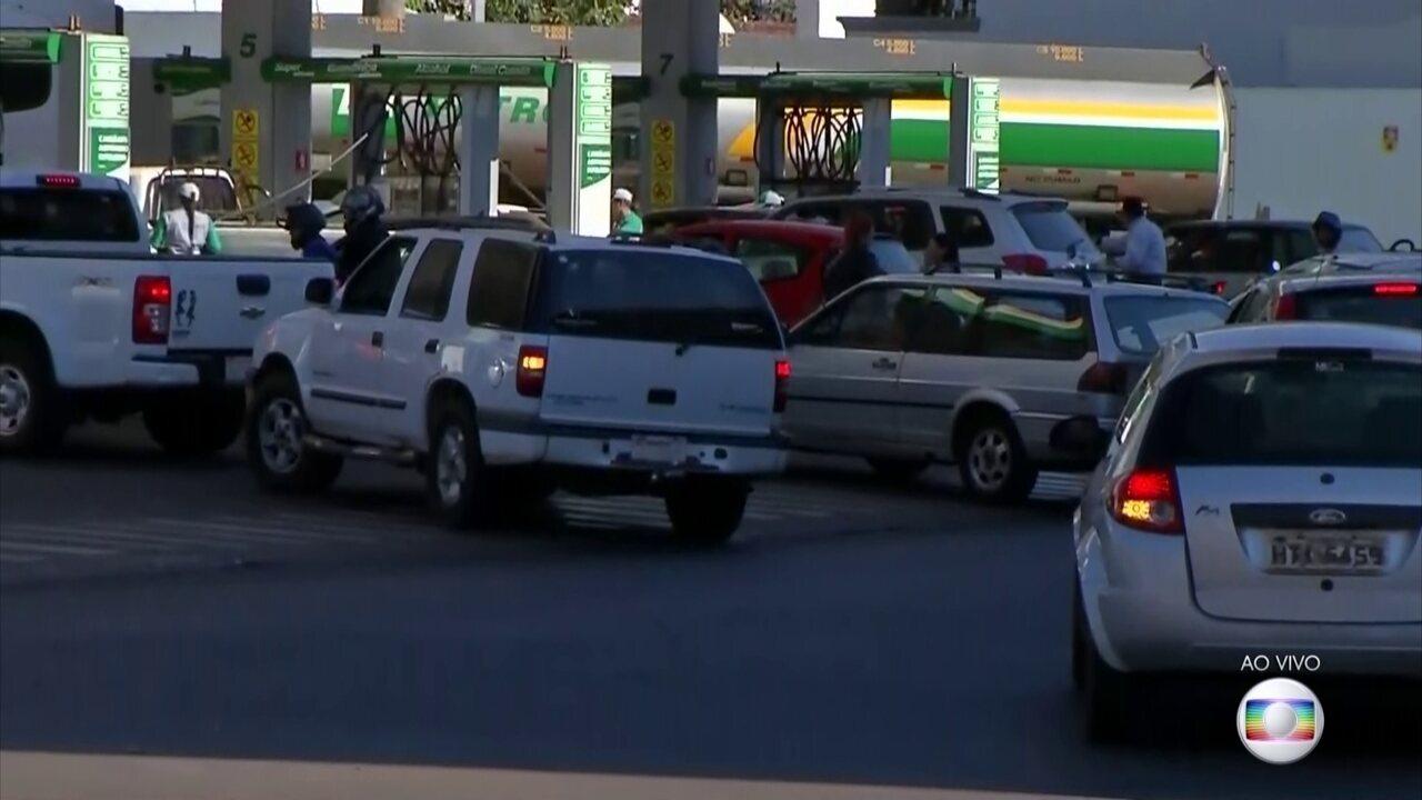 Falta de combustível no país aumenta venda nos postos das fronteiras