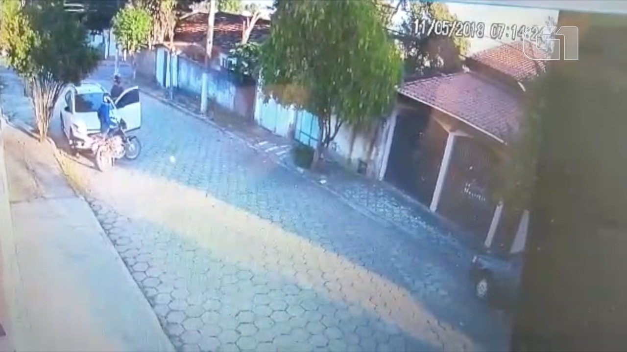 VÍDEO - ASSALTO CARRO