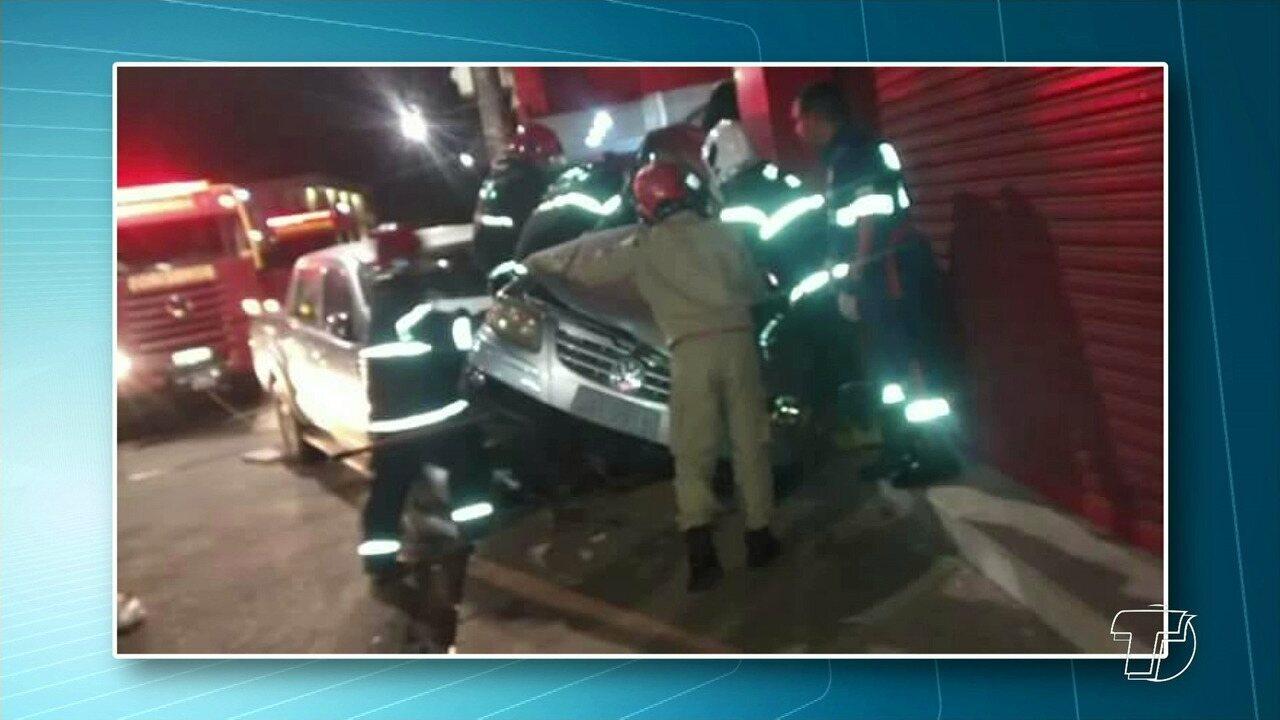 Pai e filha ficam feridos após carro ser atingido por caminhonete no Centro de Santarém