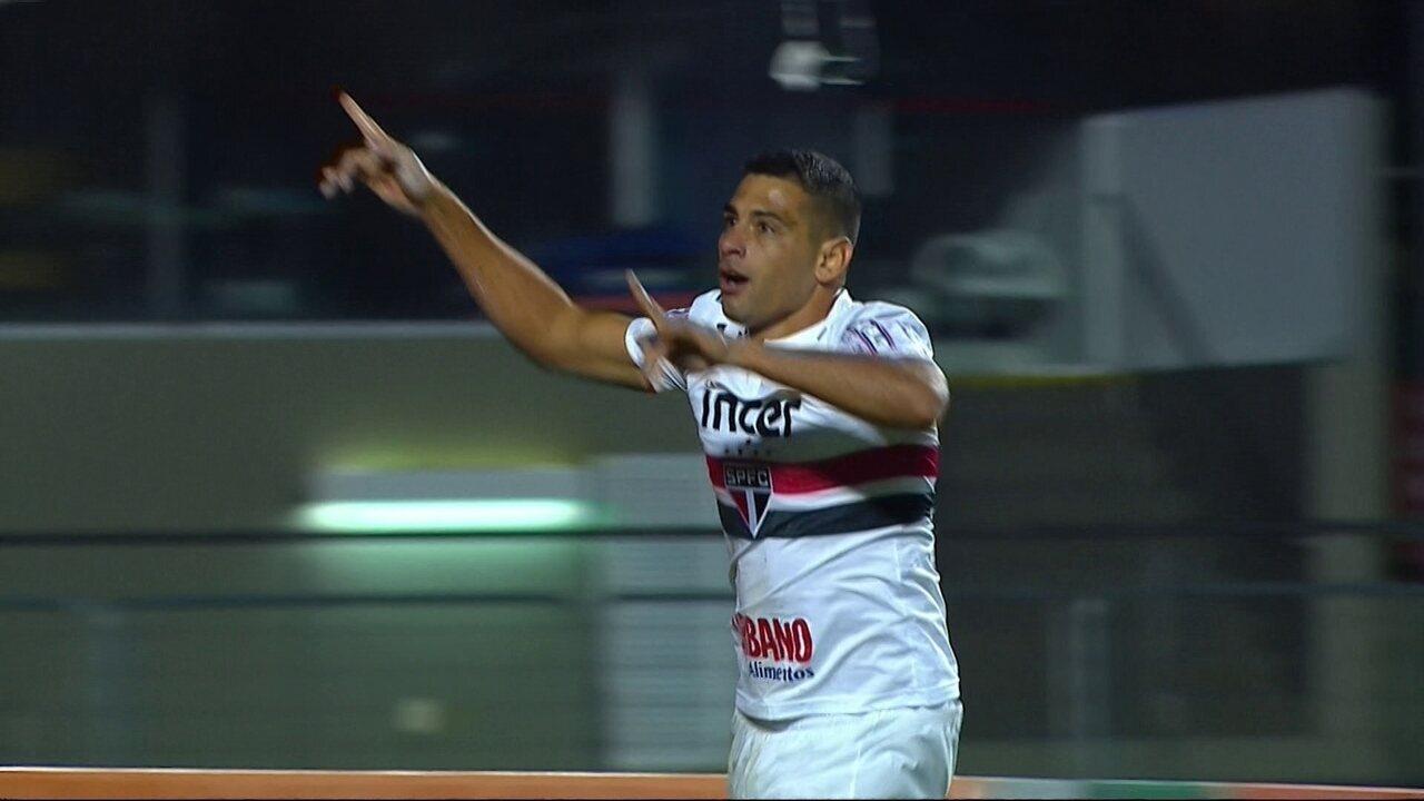 Os gols de São Paulo 3 x 2 Botafogo pela 8ª rodada do Campeonato Brasileiro