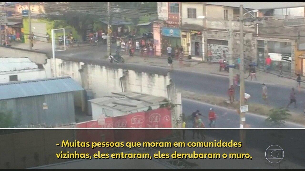 Grupo de pessoas tenta invadir apartamentos em um condomínio na Pavuna.