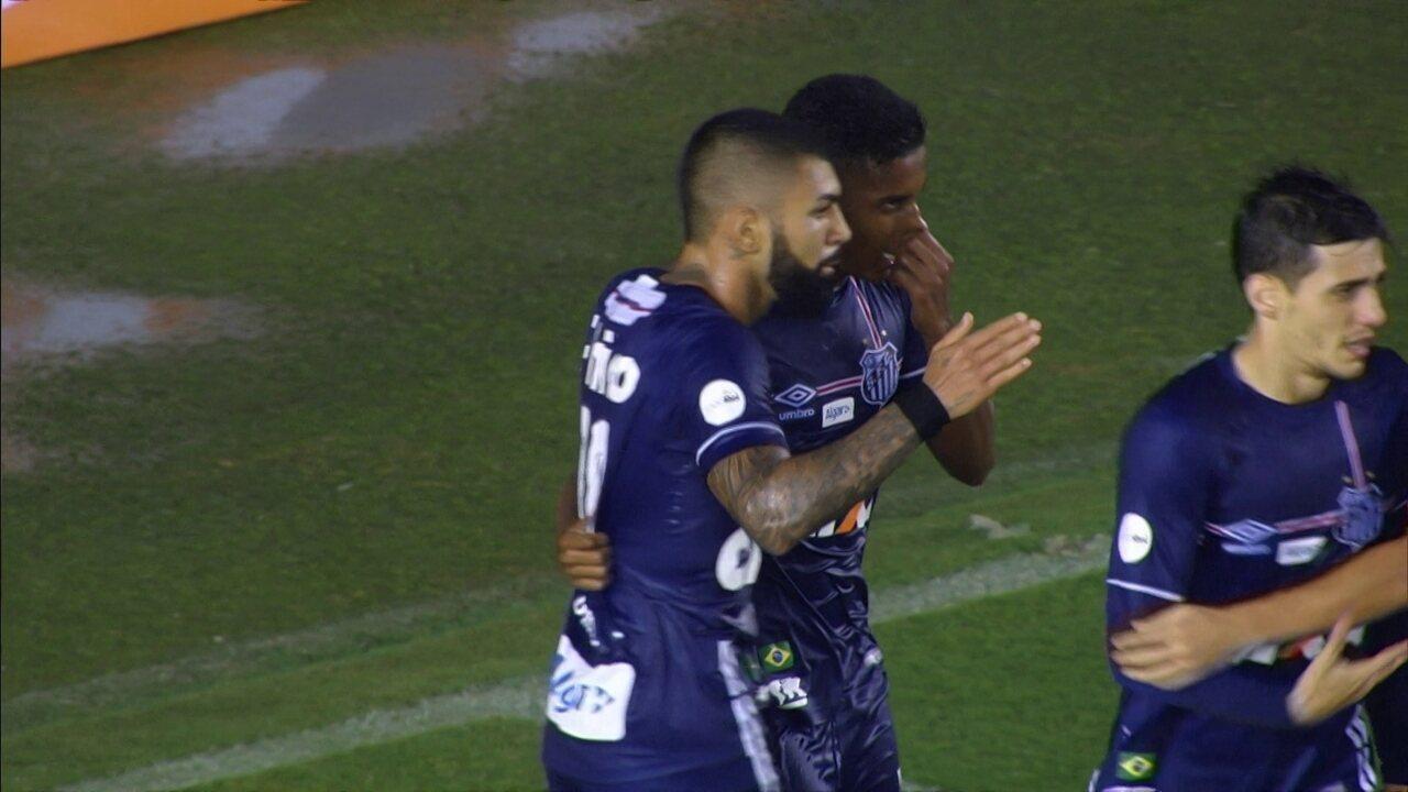 Gol do Santos! Vanderlei faz defesaça e Gabriel marca no contra-ataque aos 28 do 2º tempo