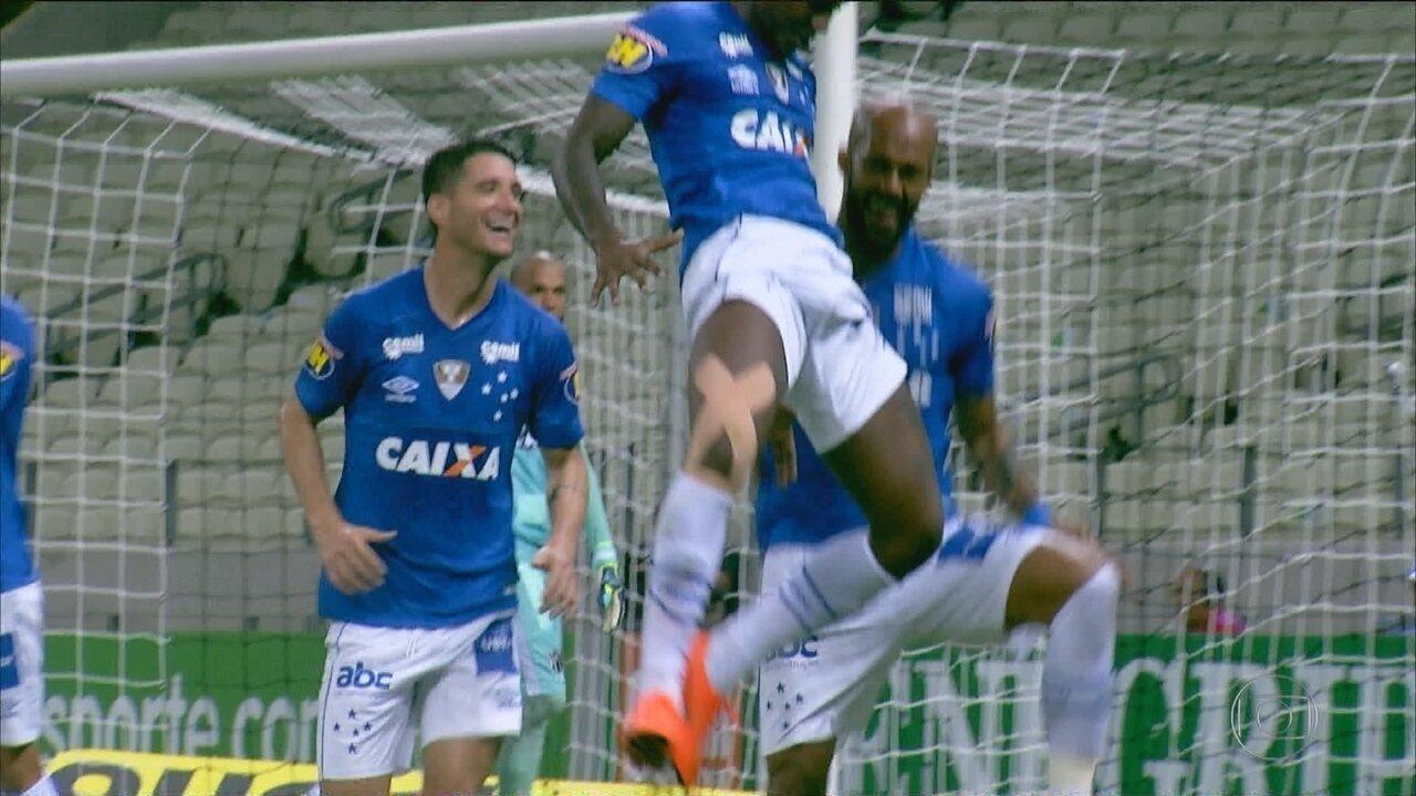 Cruzeiro vence Ceará no Castelão e assume vice-liderança do Brasileirão