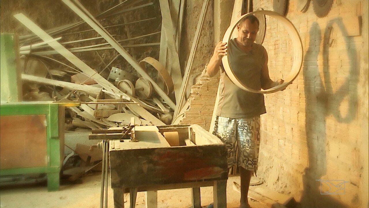 Veja como é feita a fabricação dos pandeirões