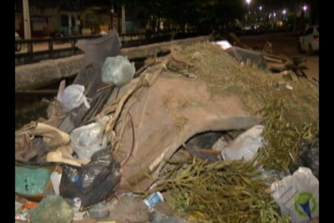 Moradores do bairro do canal da gentil, reclamam da coleta irregular de lixo na área