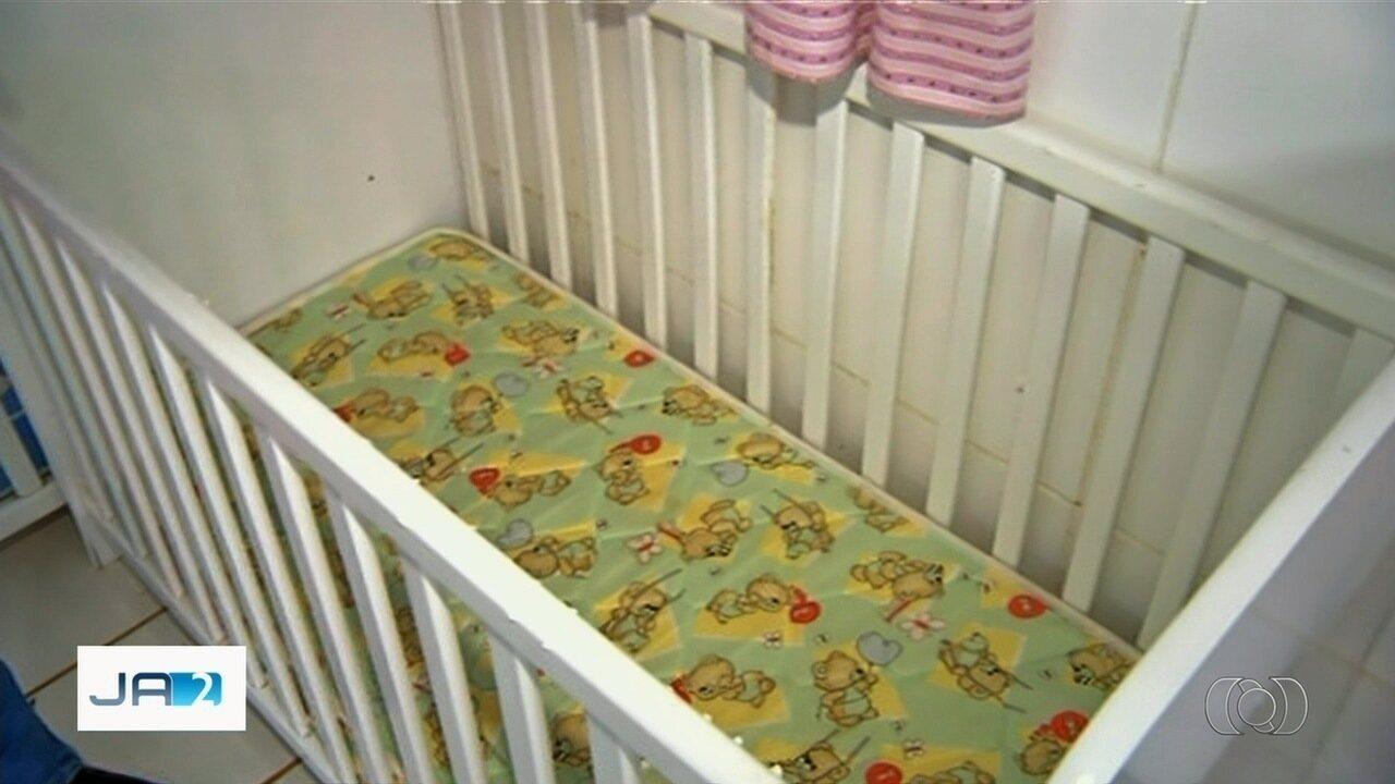 Bebê é esquecido dentro de sala em creche de Valparaíso de Goiás