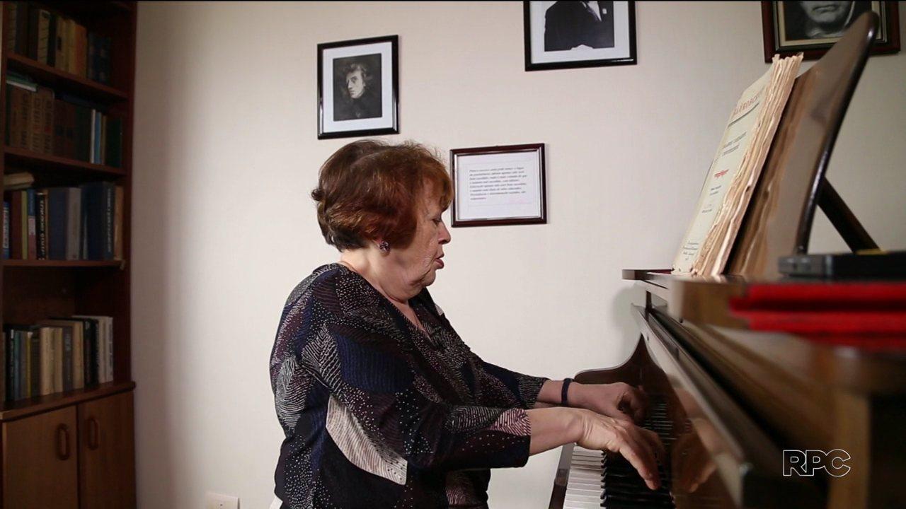 'A Rússia é Aqui': veja a história da pianista que escolheu Curitiba para viver