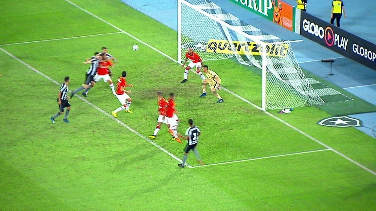 Melhores momentos: Botafogo 2 x 0 Atlético-PR pela 12ª rodada do Brasileirão