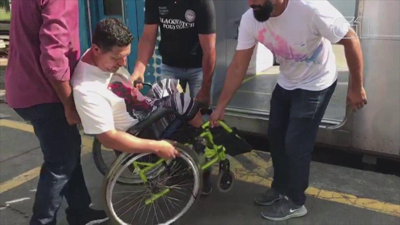 Cadeirantes têm dificuldades para andar de trem no RJ