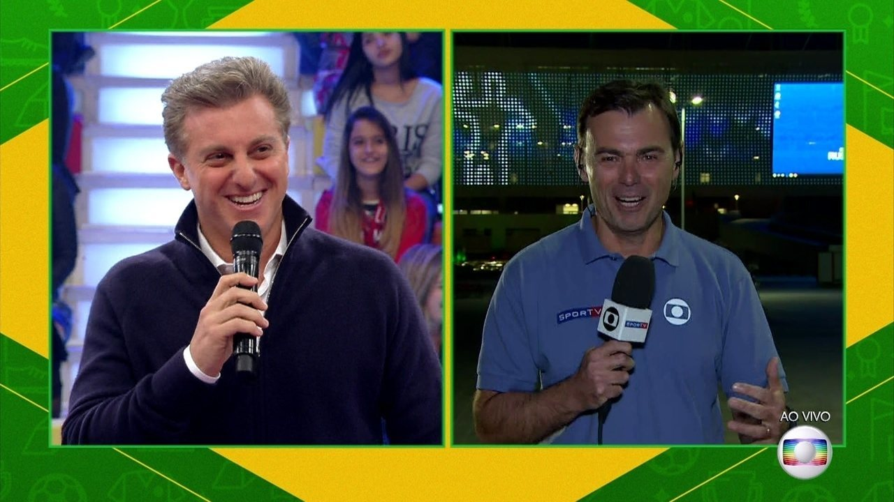 Luciano Huck conversou com Tino Marcos sobre a estreia do Brasil na Copa