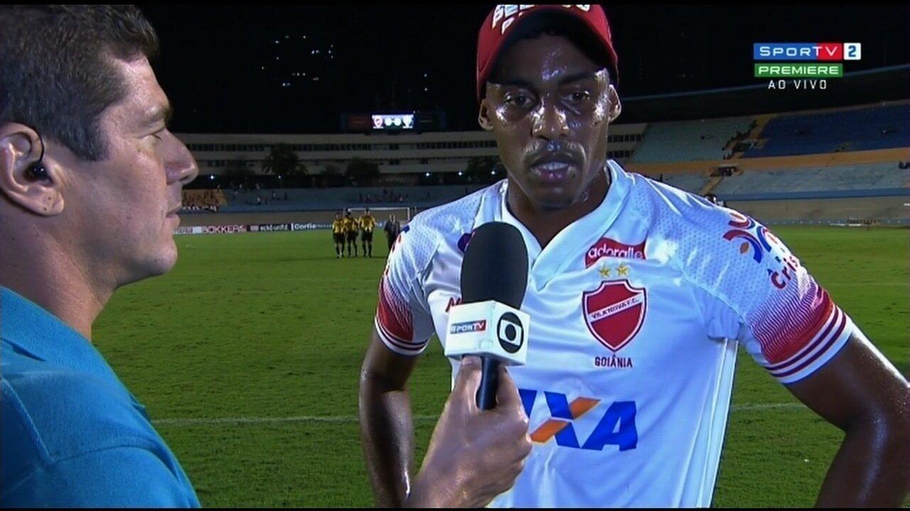 Alex Henrique fala do clássico na saída de campo e prega tranquilidade ao Vila