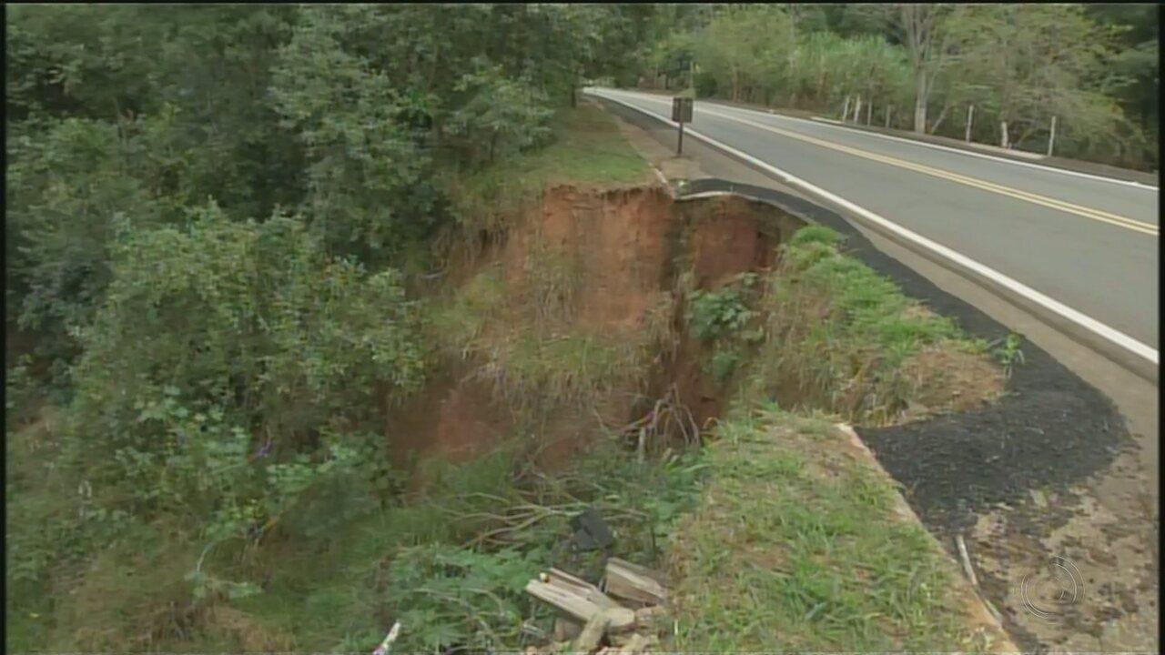 Erosão em rodovia faz prefeitura de Itaporanga declarar situação de emergência