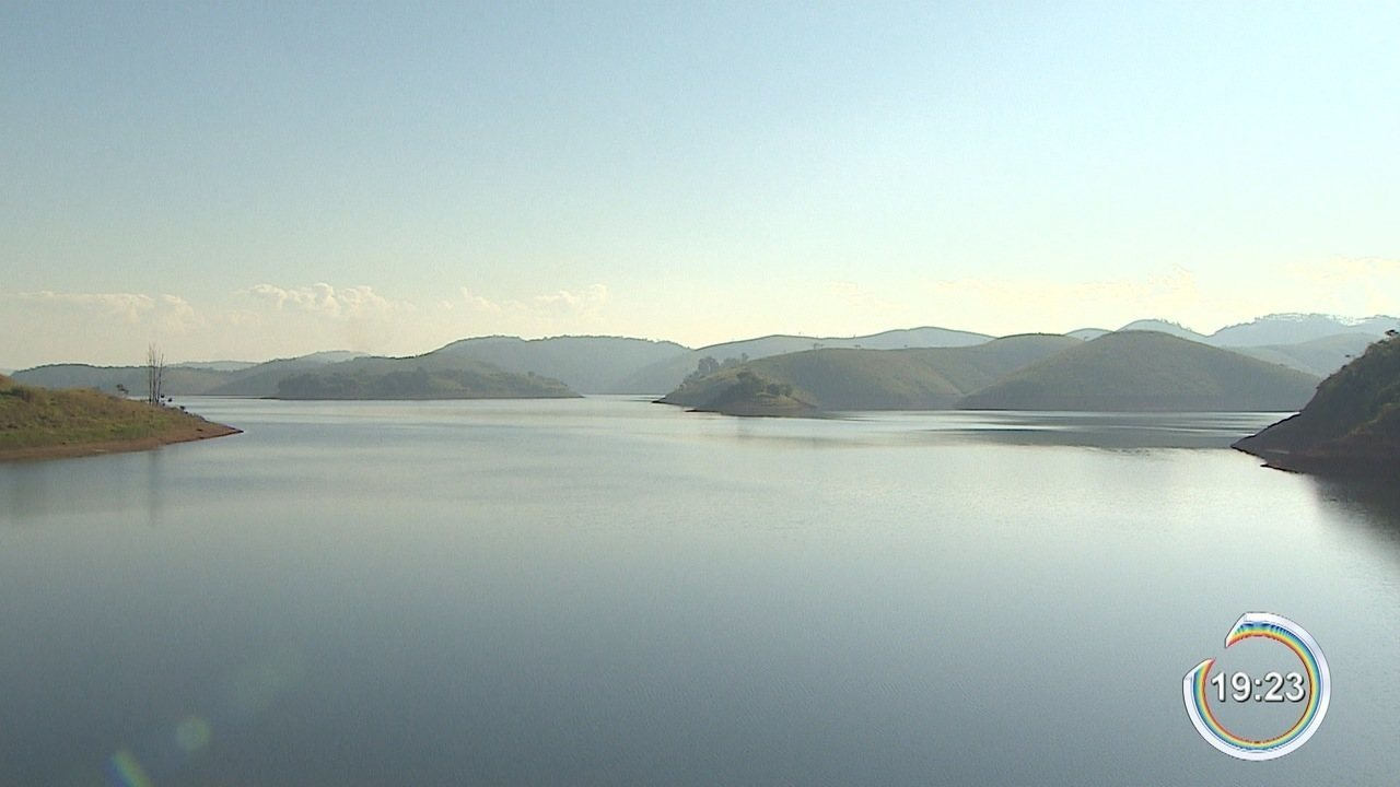 Parte da água da bacia do Paraíba está sendo bombeada para o sistema Cantareira