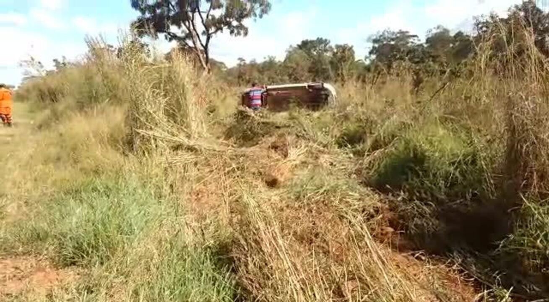 Acidente na DF-001 deixa motorista e menino de 12 anos feridos