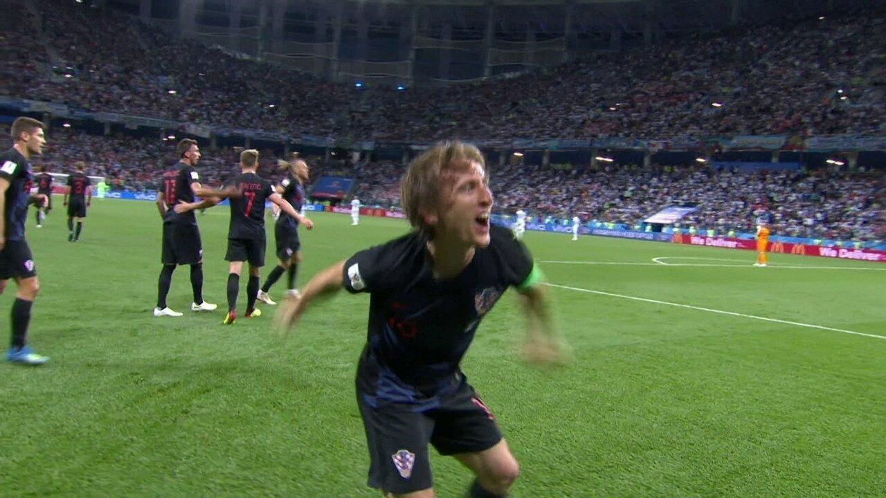 Gol da Croácia! Modric domina, abre espaço e faz um golaço com 35' do 2º tempo