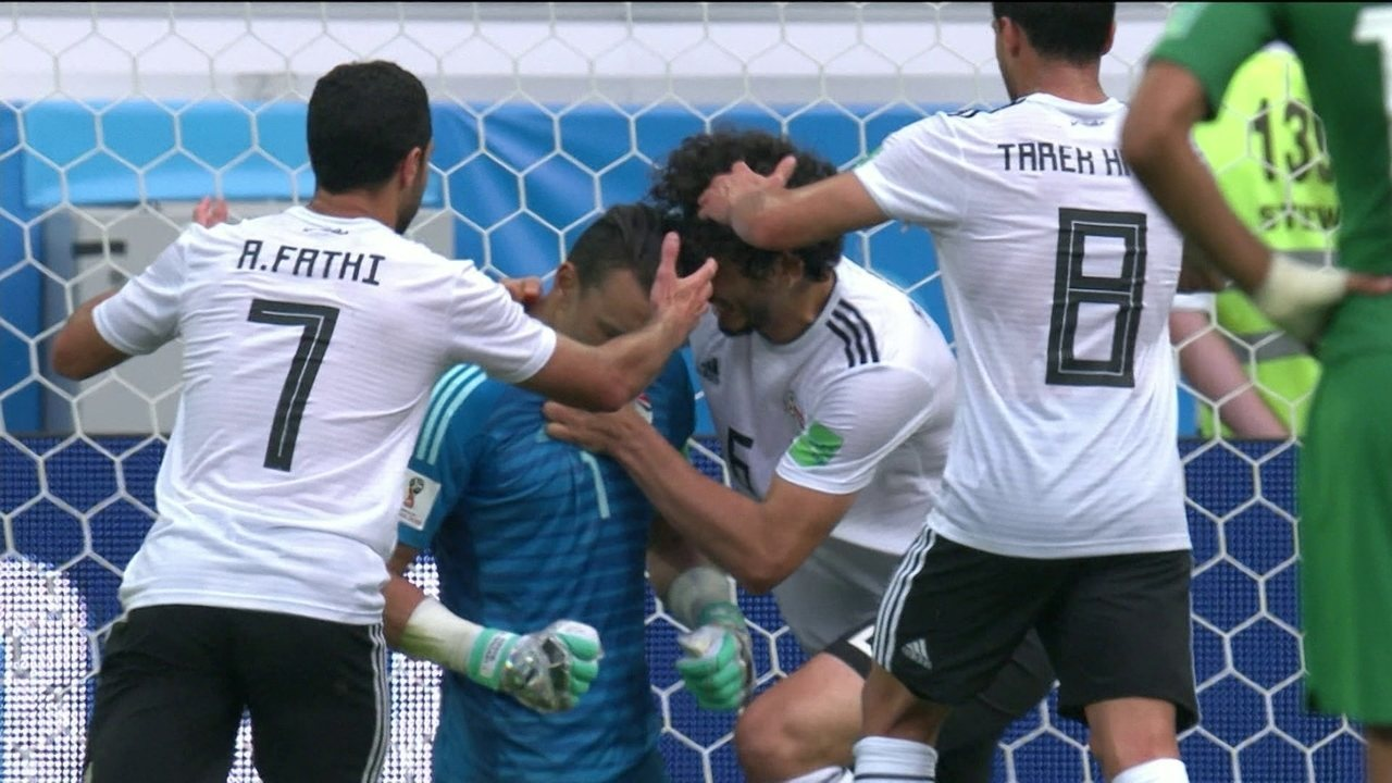 Defende El Hadary! Aos 45 anos, goleiro egípcio pega pênalti contra a Arábia Saudita