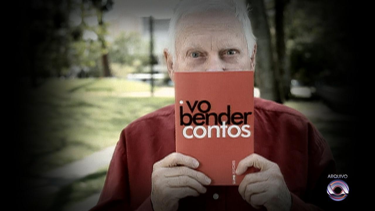 Dramaturgo Ivo Bender morre aos 82 anos em Porto Alegre