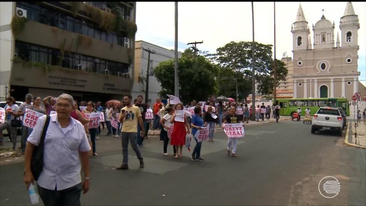 Professores mantém movimento e protestam por quebra de acordo por parte do governo
