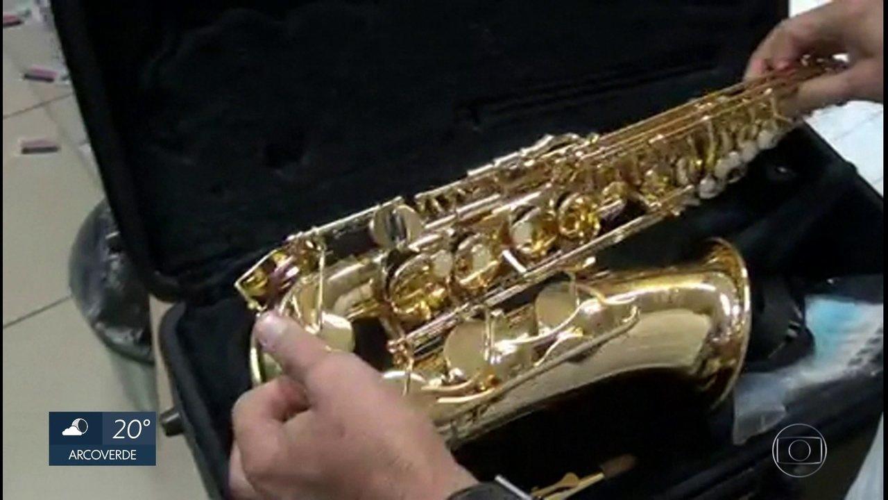 Polícia Federal prende homem que tentava vender saxofone roubado do IFPE