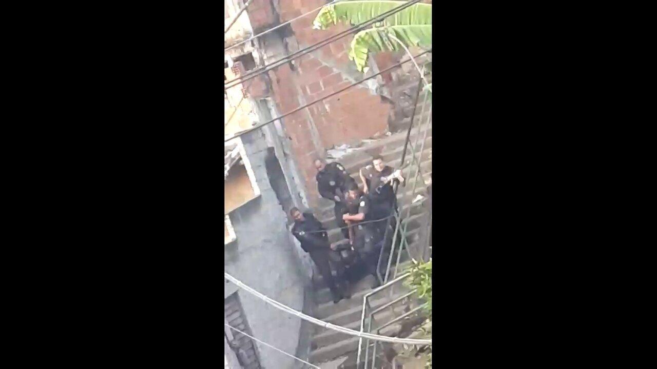 PM é baleado durante tiroteio no Morro dos Macacos
