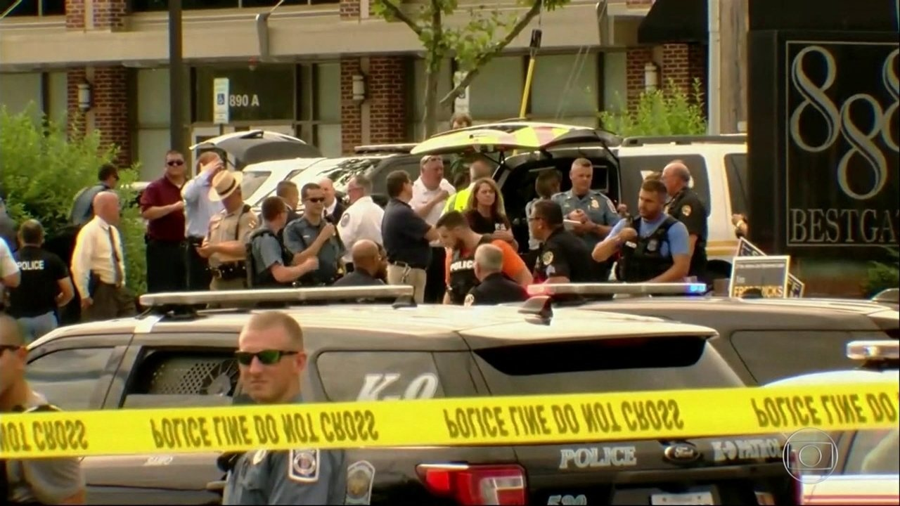 Atirador abre fogo em redação de jornal nos Estados Unidos e mata 5