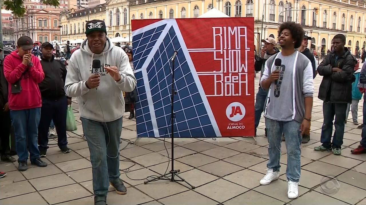 Rima Show de Bola: competidores cantam pela classificação na terceira fase da competição