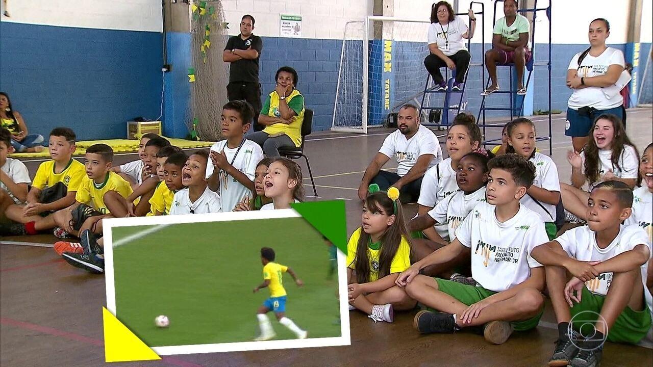 Central acompanha jogo da Seleção no Instituto Neymar Jr