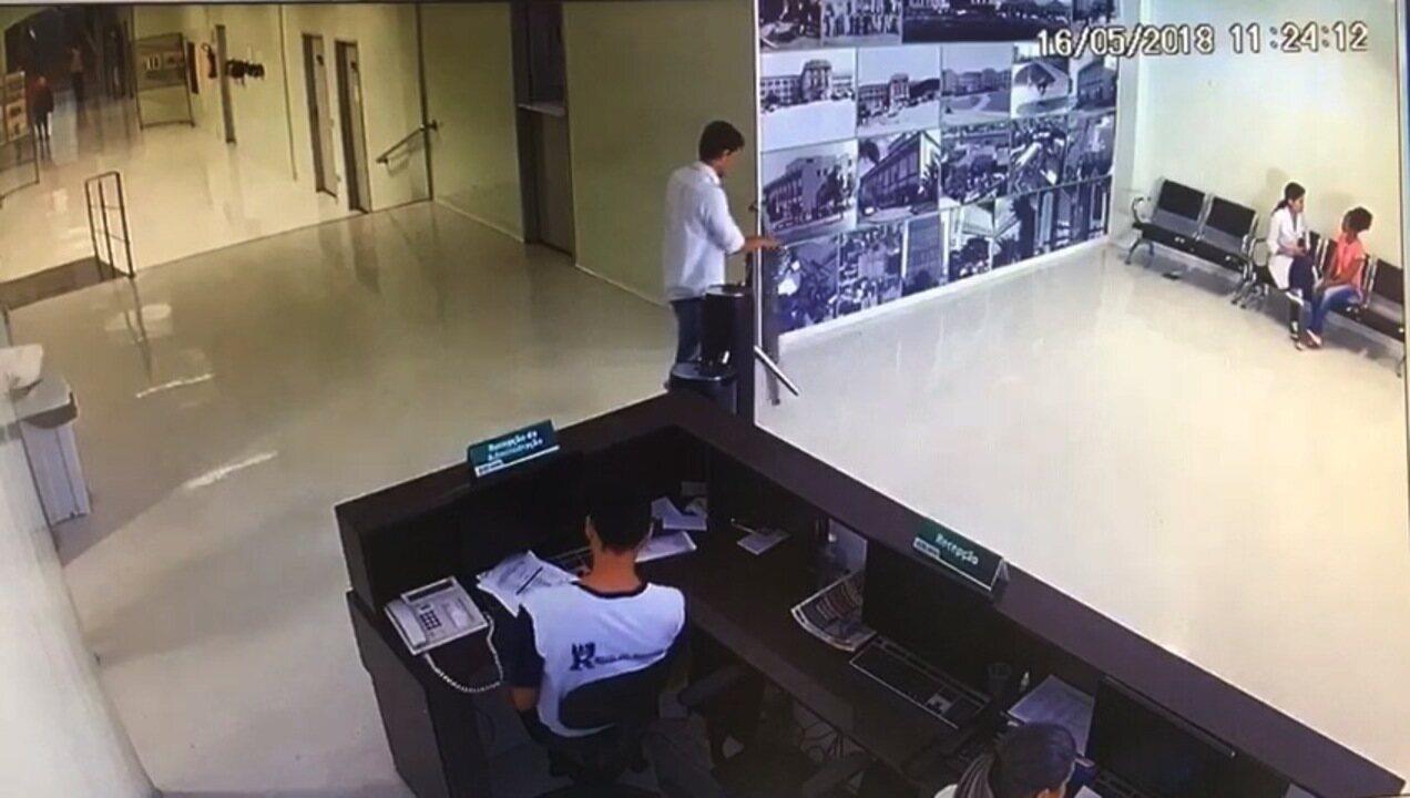 Vídeo mostra suspeito de furto entrando em hospital de Goiânia