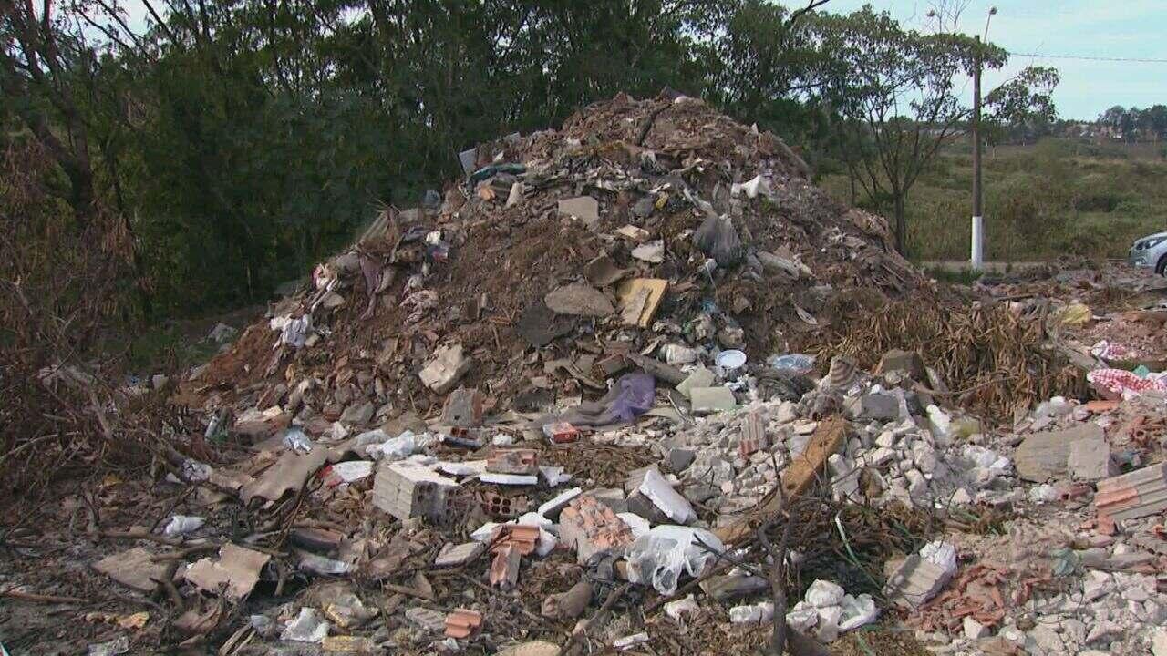 Rio Claro, SP, tem 180 pontos de descarte irregular de lixo