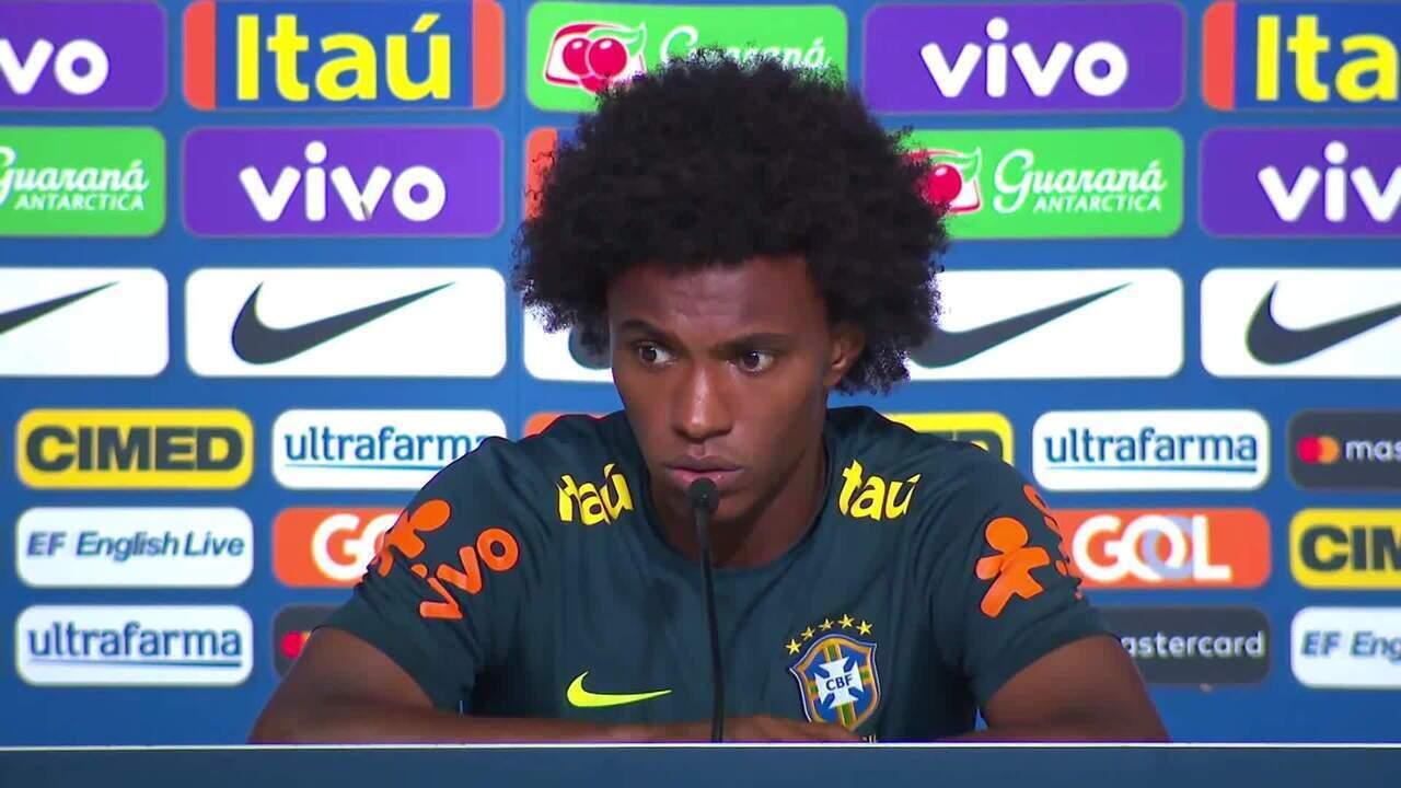Willian comenta evolução da seleção desde as eliminatórias da Copa