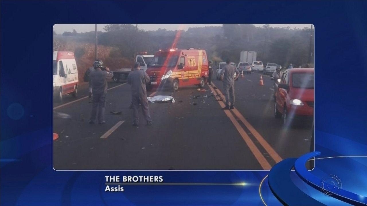 Motociclista morre após ser atingido por carro e veículo foge sem prestar socorro