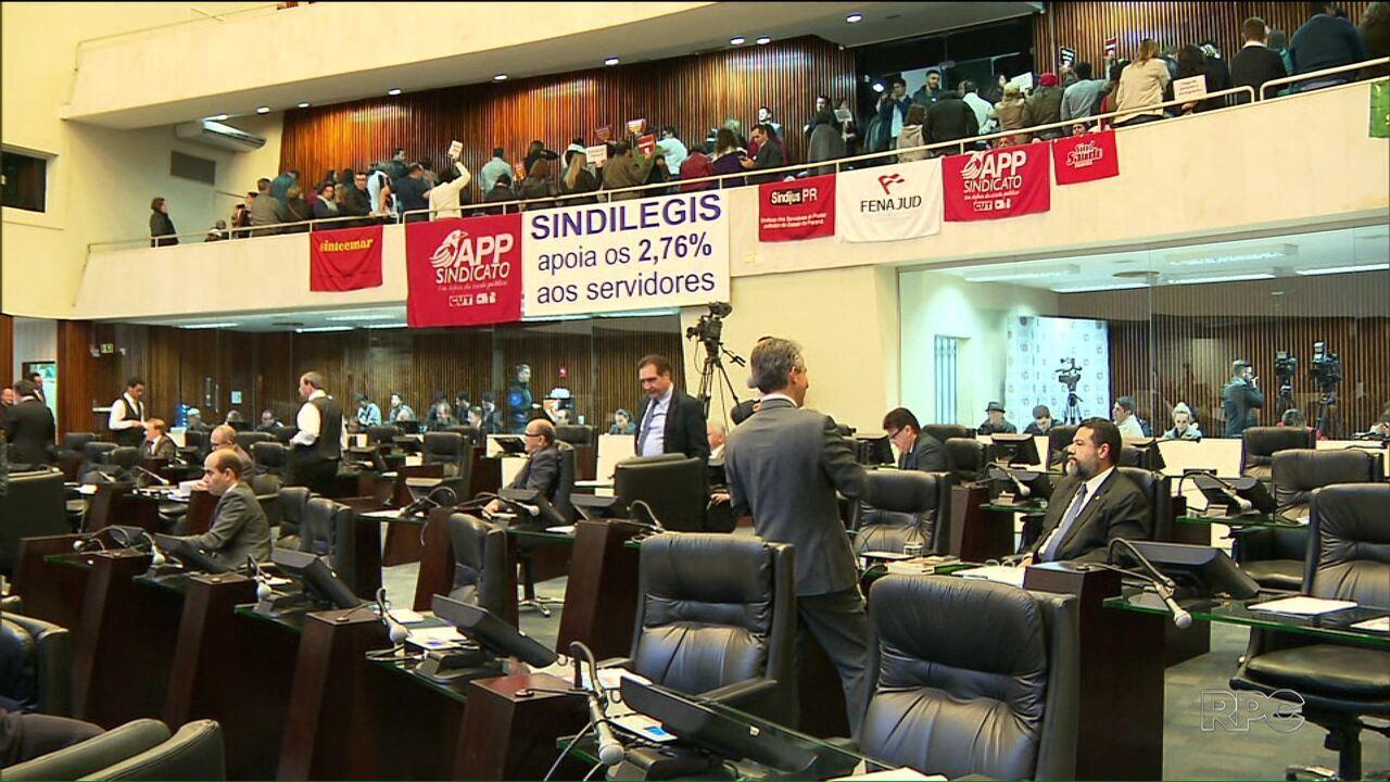 Deputados estaduais votam o reajuste salarial dos servidores