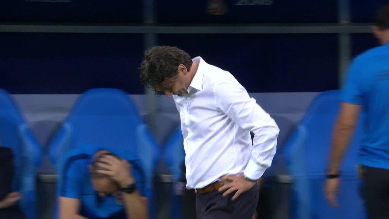 Veja técnico da Croácia comemorar gol contra a Rússia nas quartas da Copa do Mundo