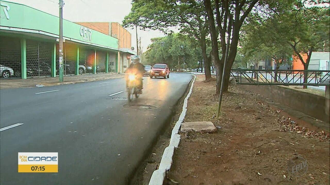 Obras em córrego interditam a Avenida Francisco Junqueira em Ribeirão Preto