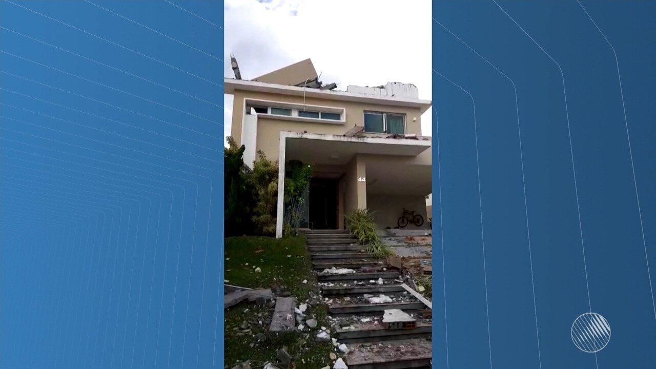 Homem fica ferido durante explosão em casa de condomínio de luxo em Salvador