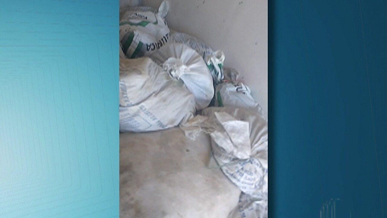 Polícia flagra despejo de milhares de aves em sítio no distrito de Quatinga em Mogi