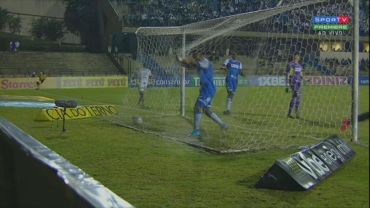 Gol da Ponte! Júnior Santos recebe de Igor e só empurra para as redes aos 9 do 2º tempo