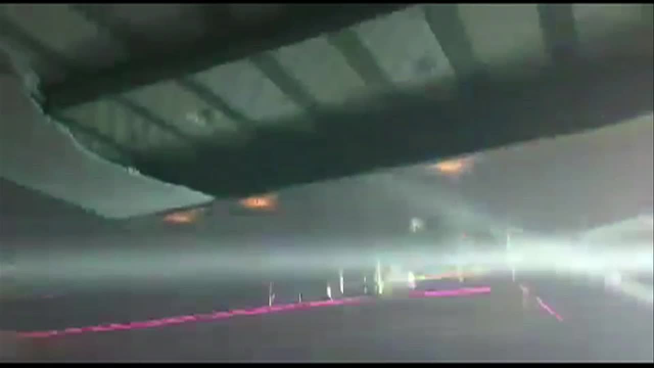 Parte da estrutura do teto da boate Área Restrita cai em Barra Mansa, RJ