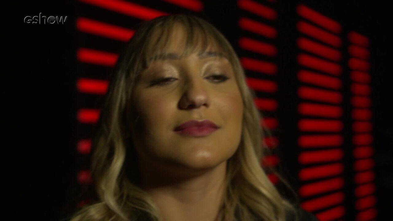 Confira a emoção de Ally instantes antes de subir ao palco do The Voice