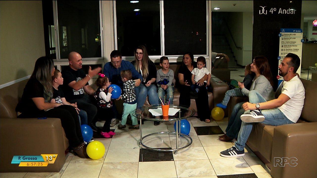 Mesmo depois da alta dos filhos, cinco casais de Curitiba mantêm amizade que começou na UTI