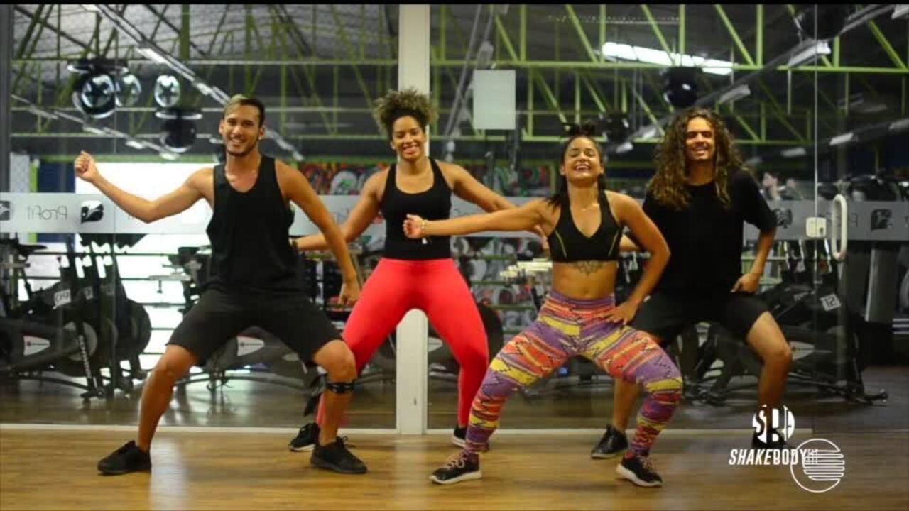 Hayssa Ewellin dá aula de dança em vídeos na internet