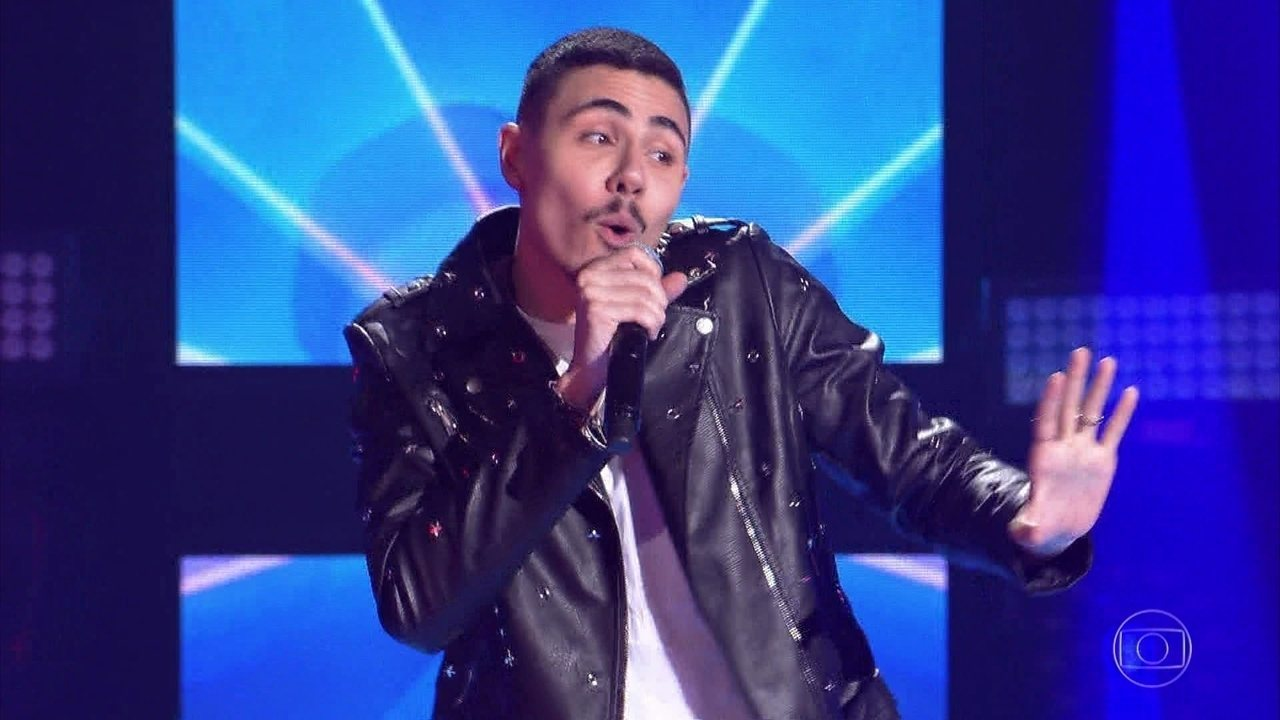 Renan Cavolik canta 'K.O.'