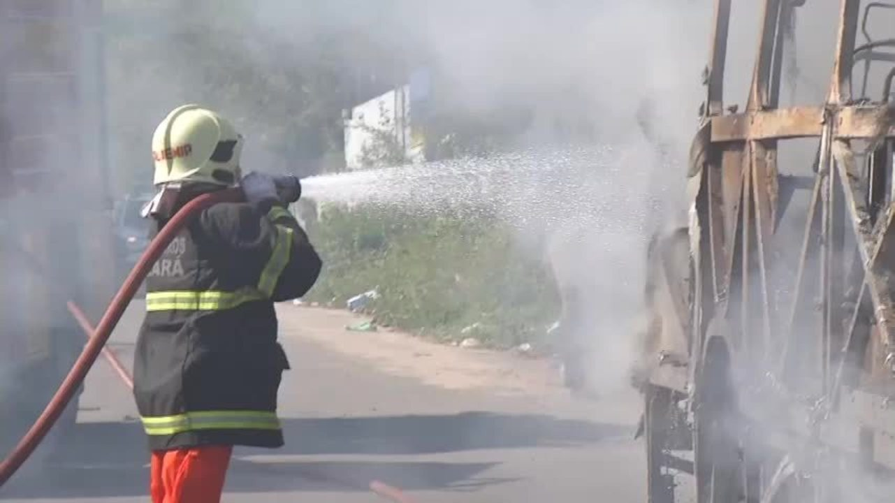 Fortaleza tem segundo dia de ataque a ônibus e prédios públicos