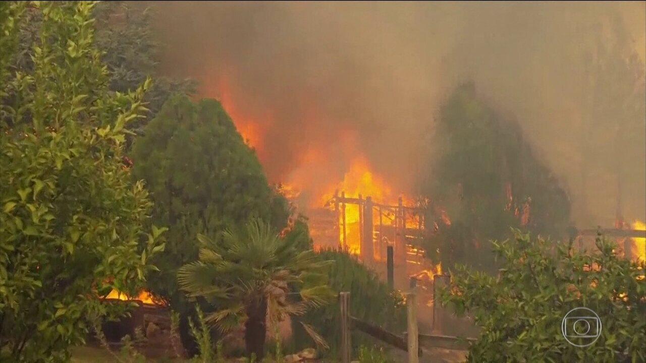 Número de mortos pelos incêndios nos EUA sobe para seis