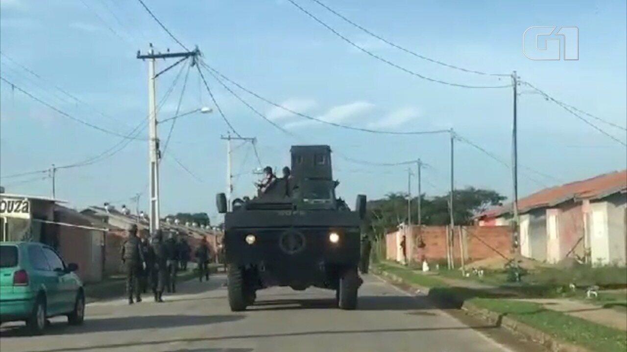 Blindado patrulhou ruas de conjunto habitacional durante operação