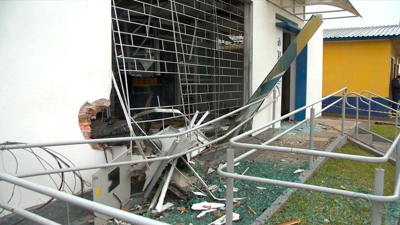 Agência bancária é arrombada com explosivos na Região Central do RS