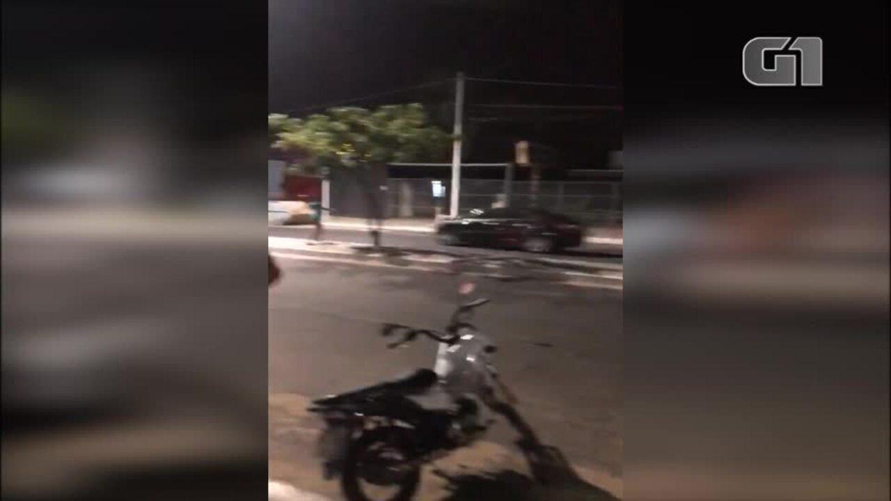 Vídeo mostra acidente e poste caindo na Zona Leste de Teresina