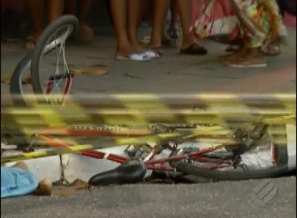 Mulher morre ao ser atingida por caminhão que recolhia entulho em Belém